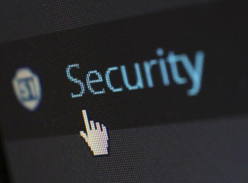 Security Schriftzug mit Mauszeiger auf Bildschirm