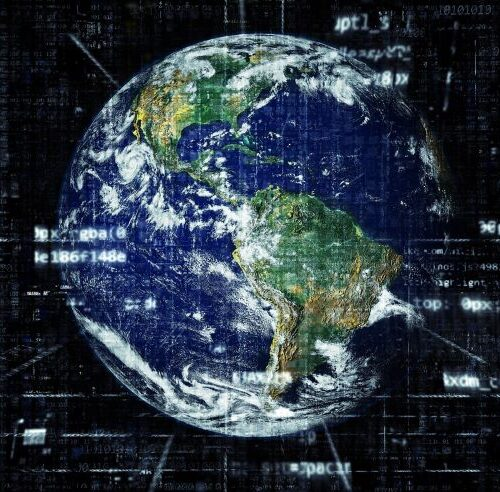 Weltkugel mit Programmiercodes